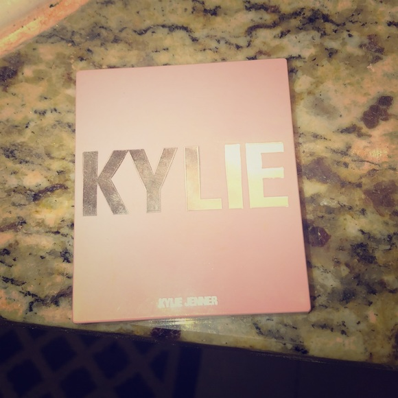 Kylie Cosmetics Other - Kylie blush